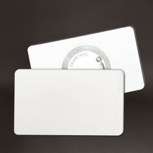 Tag semi rigide 81 x 49 mm - PP blanc 1.2 mm